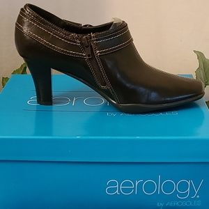 Aerology by Aerosoles Cinterpiece Brown Booties